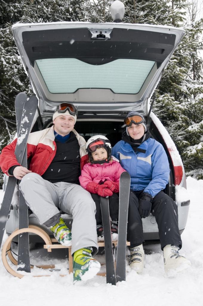 family winter fun (680x1024)