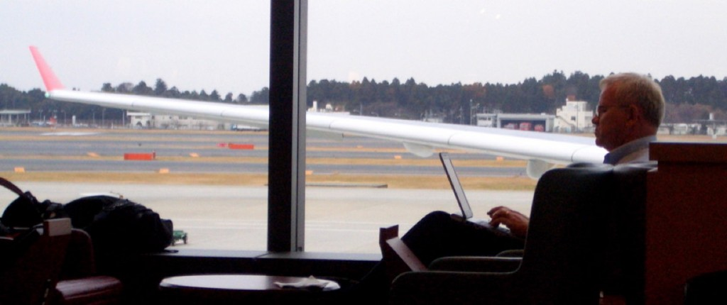 Travel Cheat Sheet of the Month: 8 Productive Tips for Long Layovers